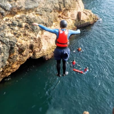 Cliff jumping Algarve